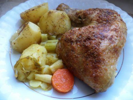 Przepis: Udka pieczone z warzywami
