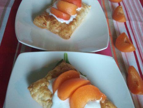 Przepis: Ciasteczka francuskie z morelami
