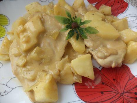 Przepis: Filet drobiowy w aksamitnym sosie