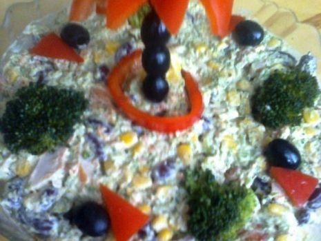 Przepis: Sałatka brokułowa Weroniki