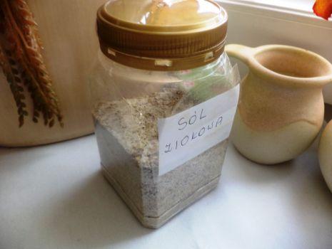 Przepis: Sól ziołowa domowa