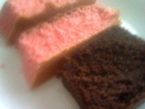 Przepis: Ciasto śmietanowe na różowo