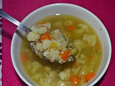 Przepis: Zupa kalafiorowa z kaszą