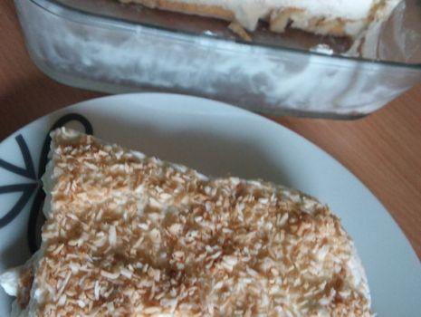 Przepis: Deser kokosowy z bitą śmietaną