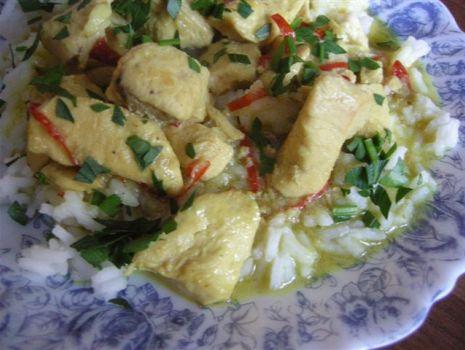 Przepis: Kurczak curry z mlekiem kokosowym