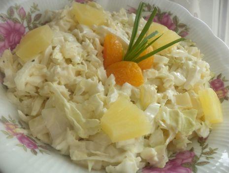 Przepis: Surówka z pekinki i ananasa