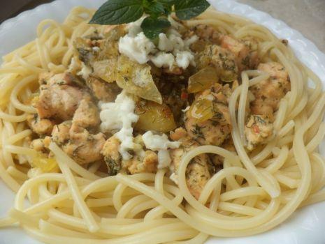 Przepis: Spaghetti z łososiem i koperkiem