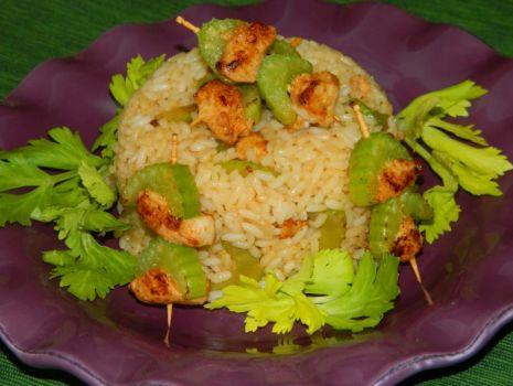 Przepis: Ryż z kurczakiem i selerem naciowym