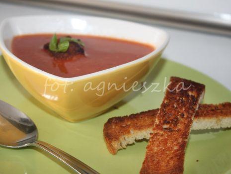 Przepis: Zupa krem pomidorowa z grzankami