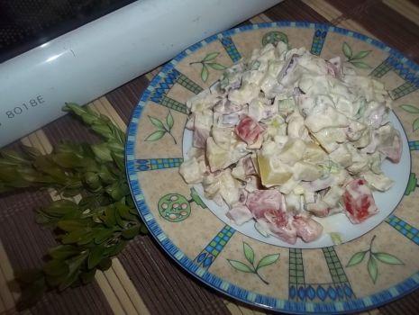 Przepis: Sałatka ziemniaczana z pomidorem