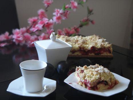 Przepis: Kruche ciasto ze śliwkami