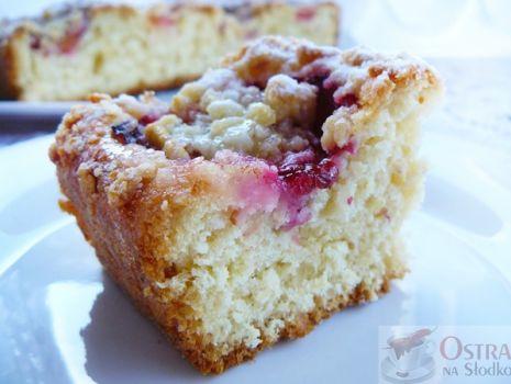 Przepis: Ciasto drożdżowe ze śliwkami i kruszonką