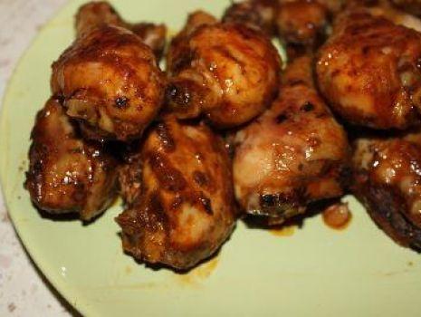 Przepis: Pałki z kurczaka w marynacie z sezamem