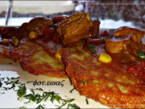 Przepis: Gulasz z kukurydzą i pomidorami suszonym