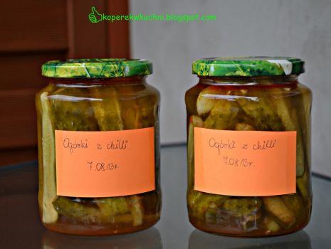 Przepis: Pikantne ogórki z chilli