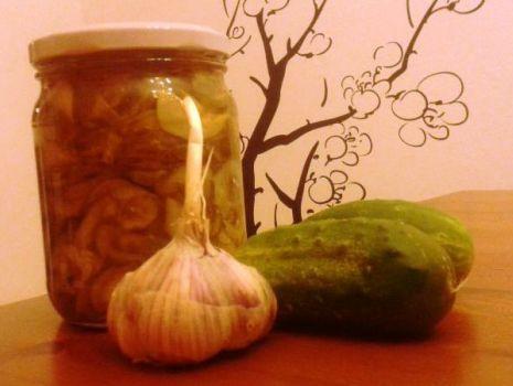 Przepis: sałatka z ogórków słodko - pokantna
