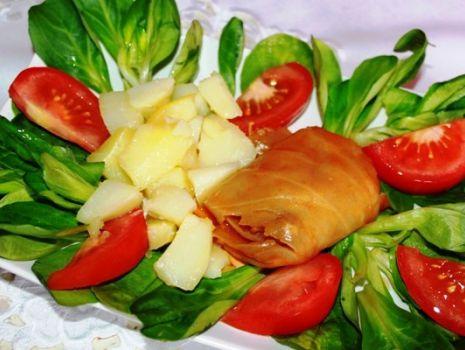 Przepis: Gołąbki w sosie pomidorowym