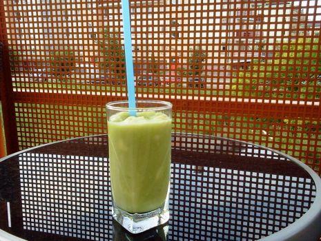 Przepis: Koktajl awokado-melon-jabłko