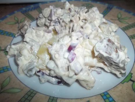 Przepis: Sałatka z kurczakiem i wątróbką
