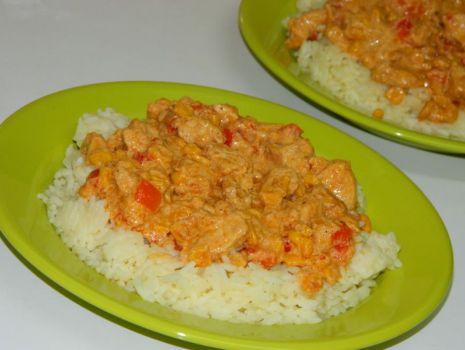 Przepis: Kurczak na ostro z ryżem