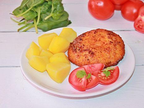 Przepis: Schab ze szpinakiem, salami i serem