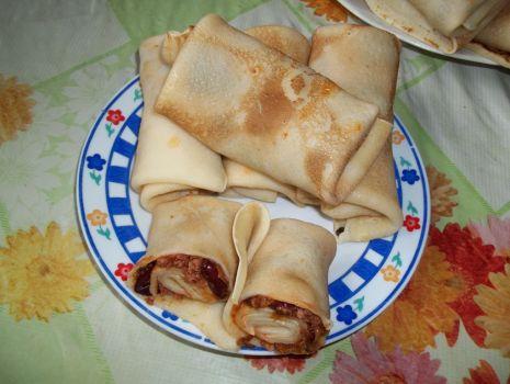 Przepis: Naleśniki z mięsem mielonym i fasolą