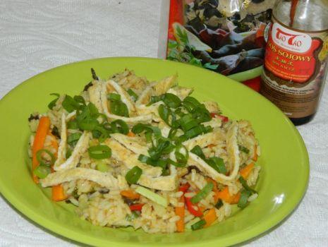 Przepis: Smażony ryż z jajkiem po chińsku