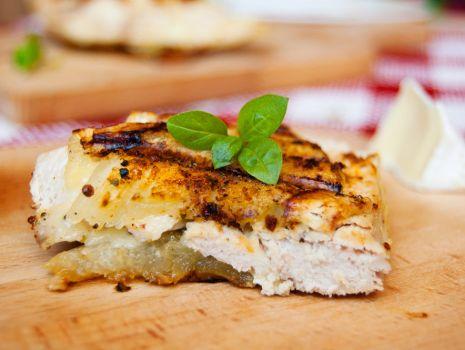 Przepis: Kurczak grillowany w kabaczku z serem brie