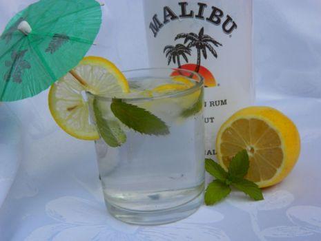 Przepis: Malibu Mint