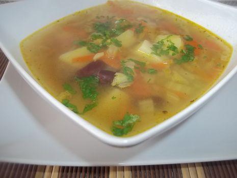 Przepis: Zupa z fasolką i groszkiem