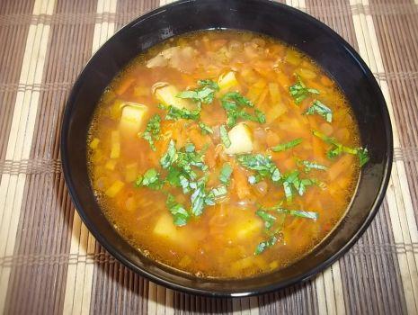 Przepis: Zupa porowo-marchewkowa z soczewicą