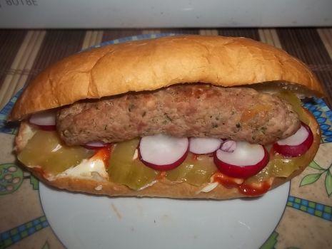 Przepis: A'la hot-dogi z mięsem mielonym