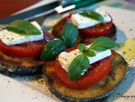 Przepis: Bakłażan, feta, pomidor