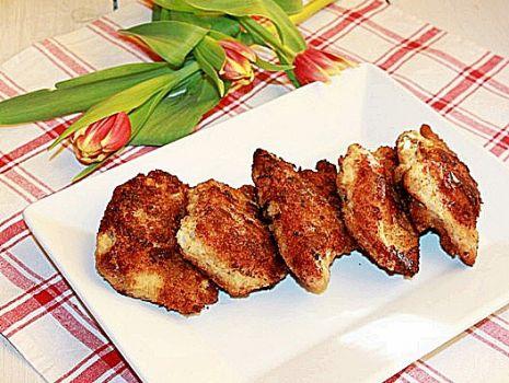 Przepis: Kieszonki schabowe z serem i pieczarkami