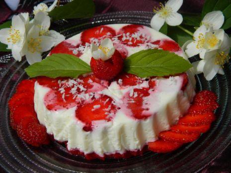 Przepis: Serniczek z truskawkami
