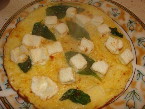 Przepis: Omlet z fetą i bazylią
