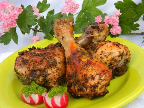Przepis: Pałki z kurczaka w ziołach