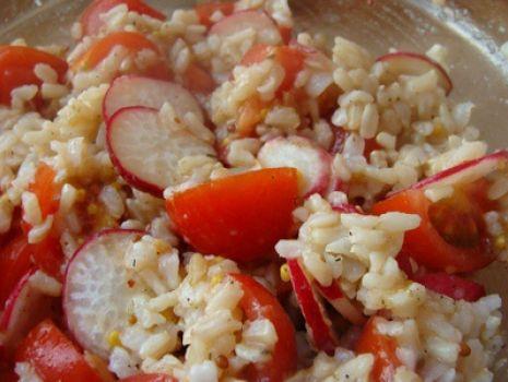 Przepis: Sałatka z ryżem i pomidorkami cherry