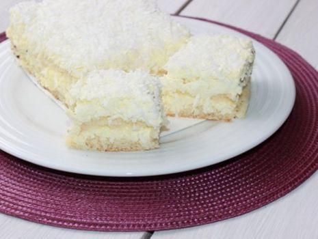 Przepis: Biały puch z wiórkami kokosowymi