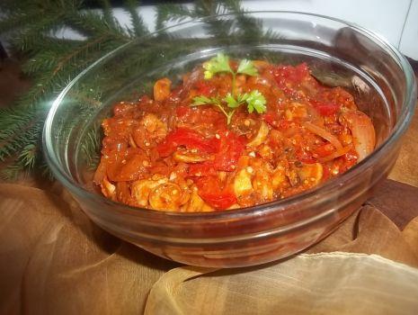 Przepis: Marynowane śledzie w sosie pomidorowym