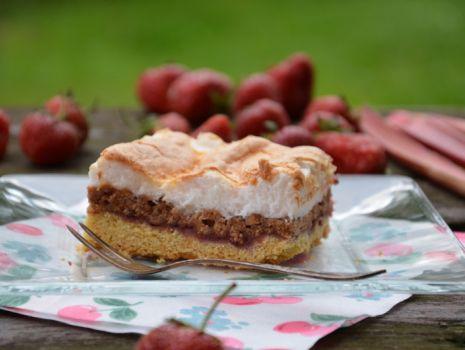 Przepis: ciasto letnie z bezą