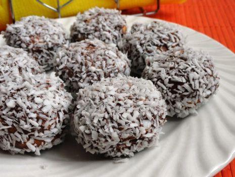 Przepis: Kokosowo czekoladowe biszkopciki