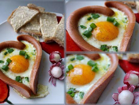 Przepis: Jajeczno-parówkowe serducho