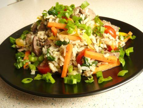 Przepis: Ryż z wątróbką i warzywami
