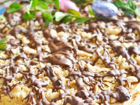 Przepis: Mazurek fistaszkowy z czekoladą