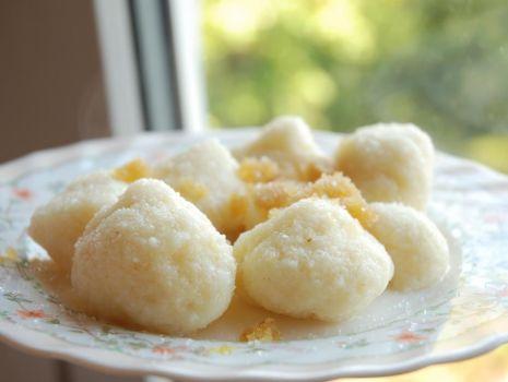 Przepis: kluski na słodko z manną