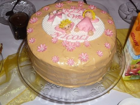 Przepis: Czekoladowy tort z kremem toffi i bitą śmietaną