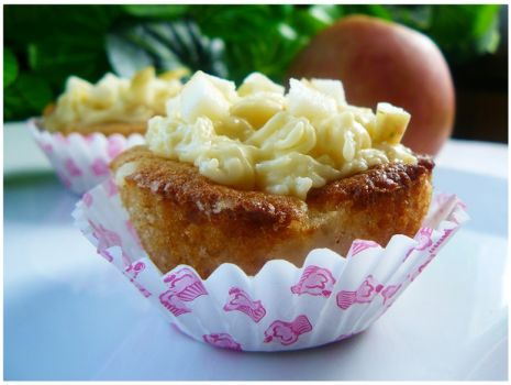"""Przepis: """" Muffiny z prażonymi jabłkami i kremem budyniowym """""""