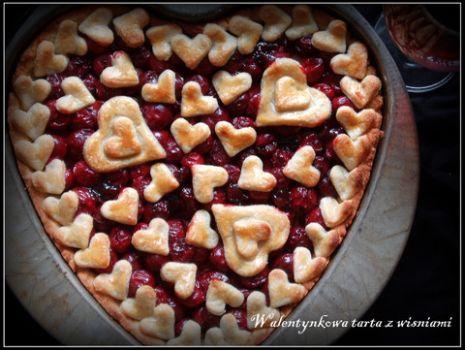 Przepis: Walentynkowa tarta z wiśniami