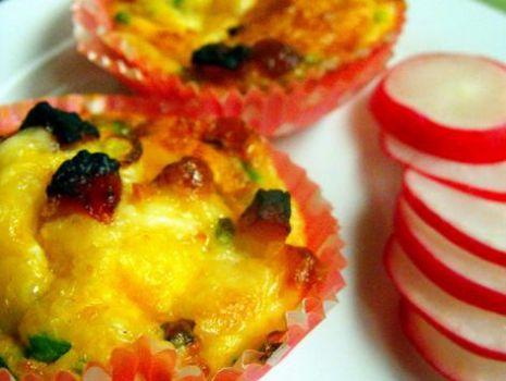 Przepis: Wytrawne muffiny śniadaniowe
